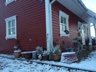 Rotes Haus im Winter 300